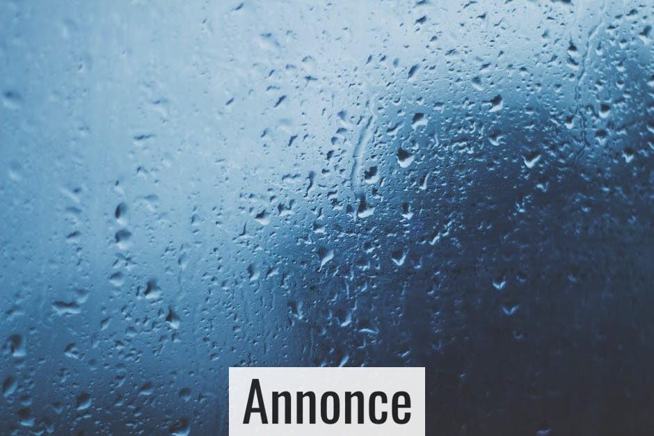 Larmer regnens trommen på ståltaget?